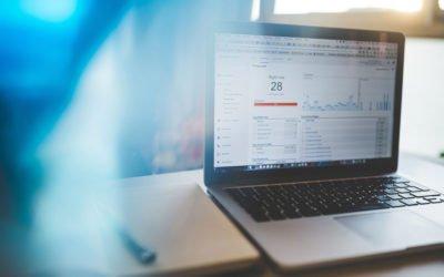Analítica web para pequeños negocios, métricas simples y accionables